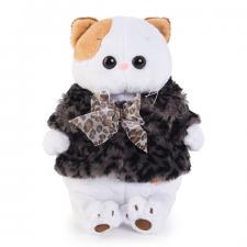 Кошечка Ли-Ли в шубке с бантиком.