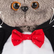 Басик BABY в костюме пингвина.