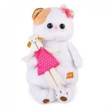 Кошечка Ли-Ли с овечкой.
