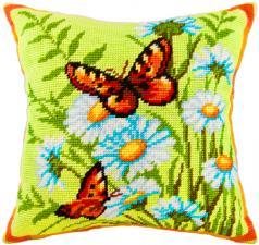 """Набор для вышивания подушки """"Крапивницы на ромашках"""". Размер - 40 х 40 см."""