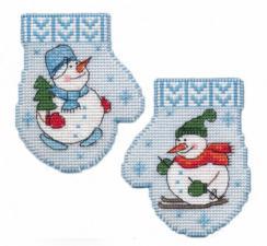 """Набор для вышивания на пластиковой канве """"Варежка.Снеговик"""". Размер - 7,5 х 9,5 см."""