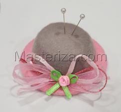 """Игольница """"Шляпка с розовой розочкой"""",цвет серый/розовый,размер - 7,5х7,5х3 см"""