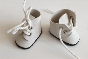 Ботиночки ручная работа,кожзам,цвет белый,5 см