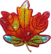 А-строчка | Набор для вышивания броши (подвеса) Осенний лист №3. Размер - 6,5 х 6,5 см