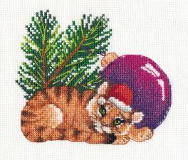 Овен | Тигрёнок с шариком. Размер - 13 х 12 см