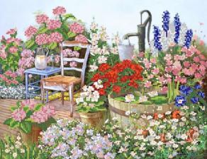 Цветы в саду. Размер - 34 х 26 см.