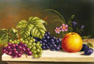 Яблоко с виноградом. Размер - 39 х 27 см.