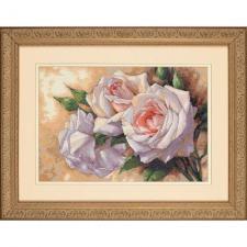 Белые розы. Размер - 41 х 28 см