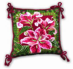 Подушка с лилиями. Размер - 40х40 см