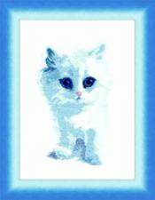 Белый котик. Размер - 18 х 25,5 см.