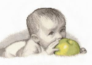 Малыш с яблоком. Размер - 30 х 20 см.