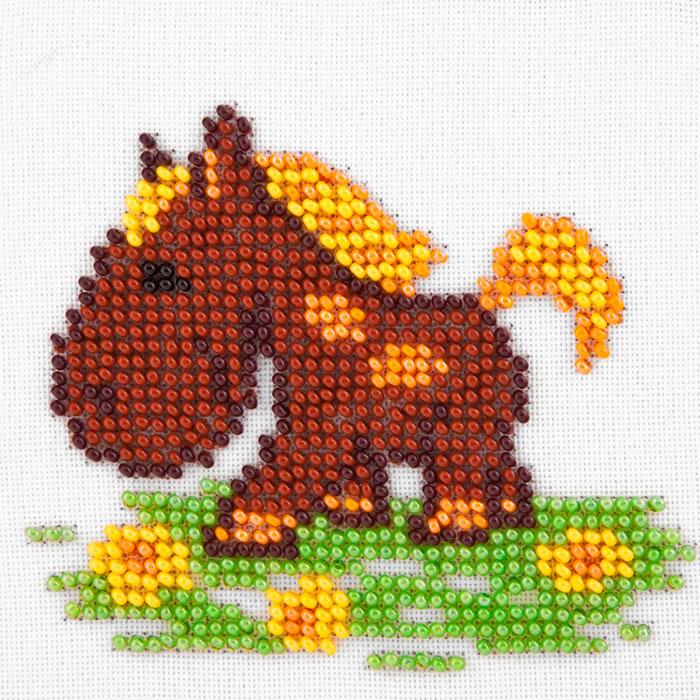 Вышивка лошадь маленькая 12