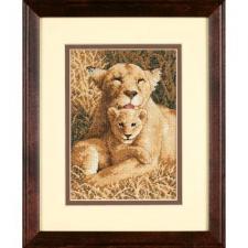 Материнская гордость (львы). Размер - 13 х 18 см