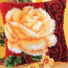 Роза на красном. Размер - 40 х 40 см.